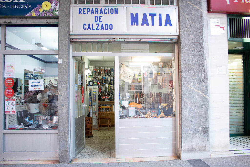 Reparación de calzado Matia en Deusto, Bilbao
