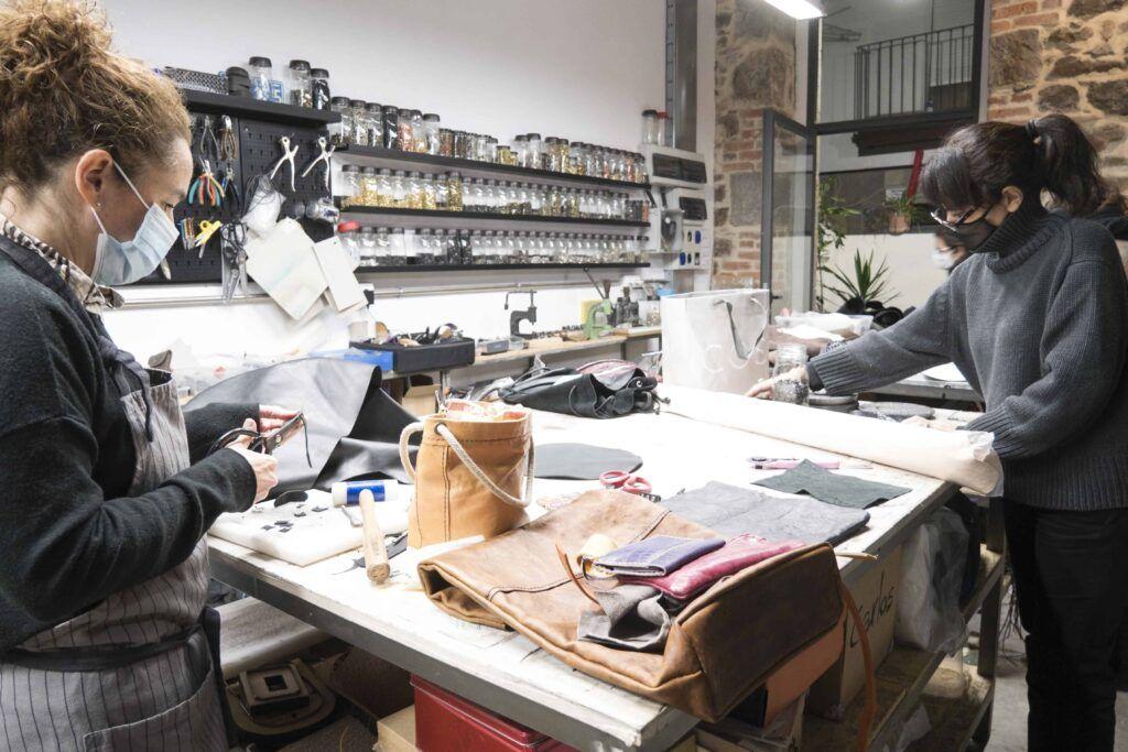 Revoluciona taller de cuero