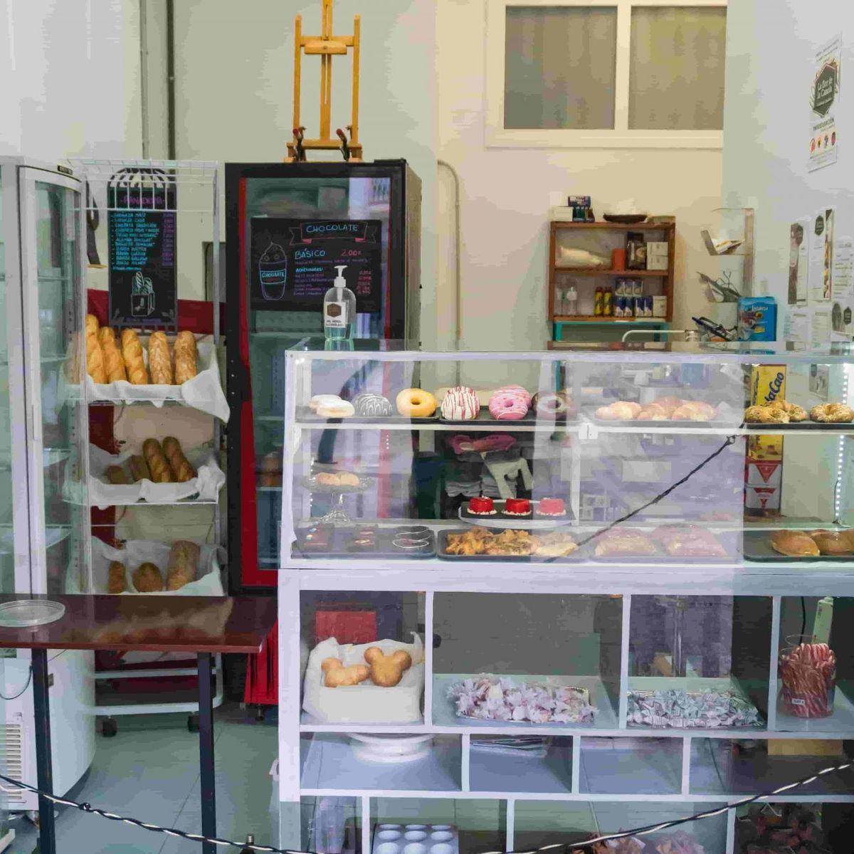 Panadería Pastelería La flor de la canela