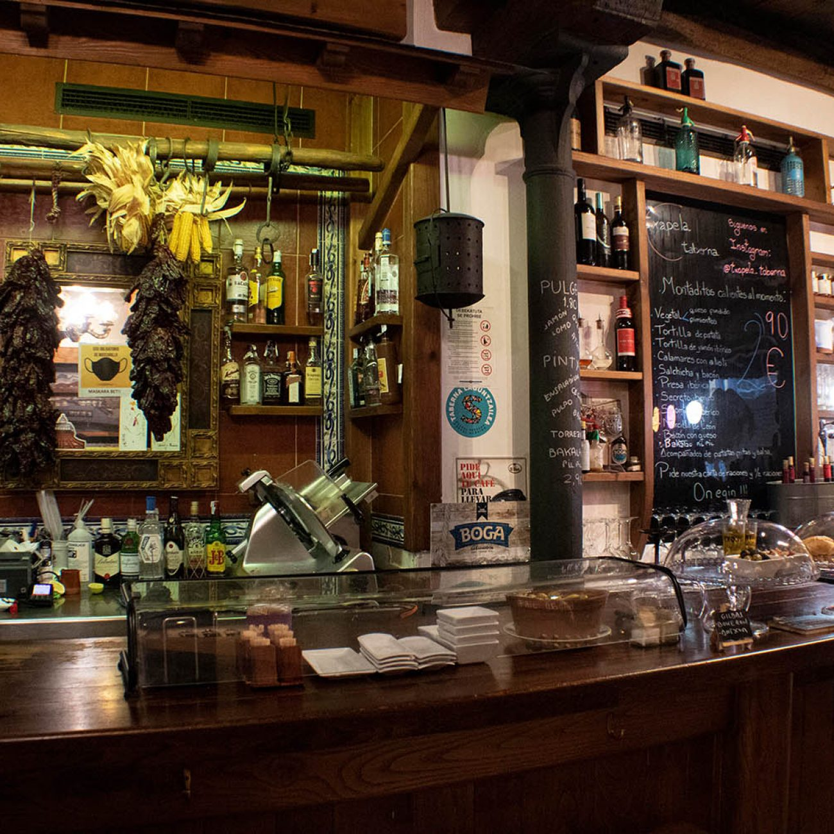 Txapela Taberna en el casco viejo de Bilbao