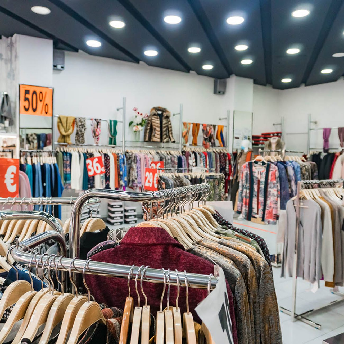 Modas Etxeberria, ropa y calzado en Deusto