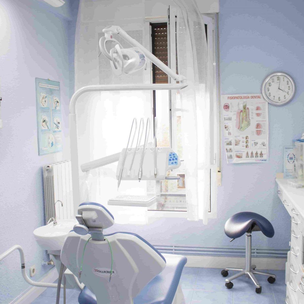 Clínica dental Maria Jose Cadiñanos en San Ignacio