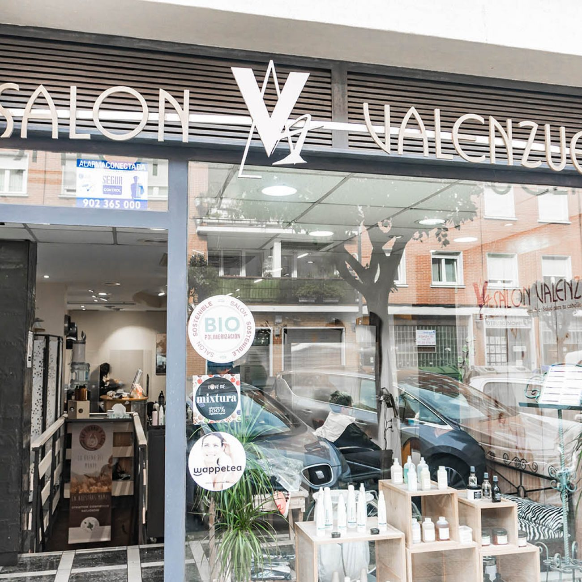 Salón Valenzuela, peluquería en Deusto