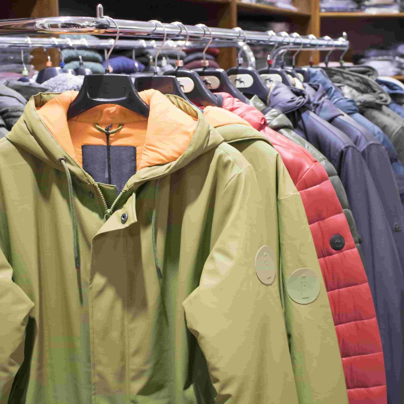 Tienda de ropa para hombres y mujeres en Deusto