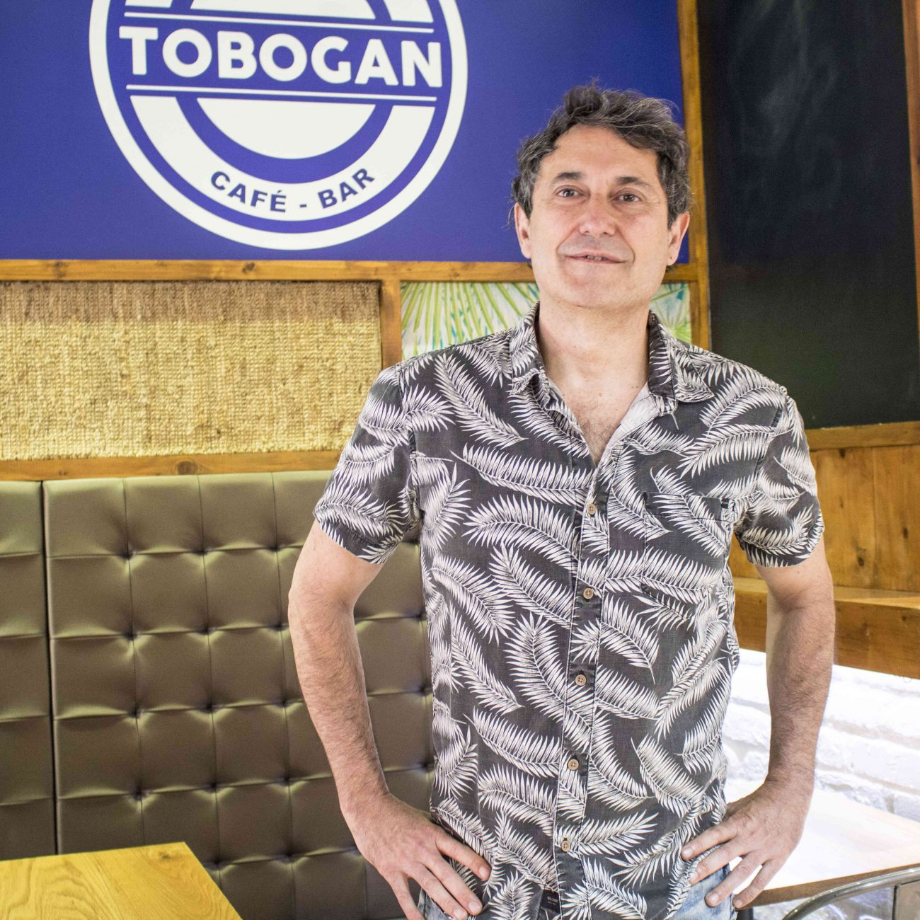 BAR TOBOGAN